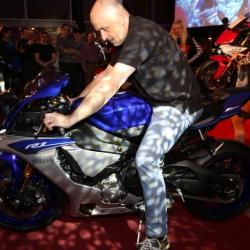 Yamaha YZF-R1 Premiere_15