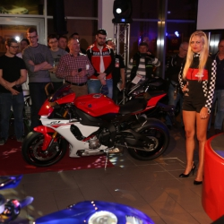 Yamaha YZF-R1 Premiere_18