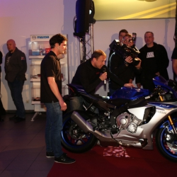 Yamaha YZF-R1 Premiere_21
