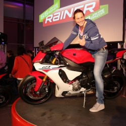 Yamaha YZF-R1 Premiere_30